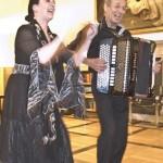 Kersin-Katjusha Kozubek und Anatolij Fokin singen für Tatjana feurige Zigeunerlieder