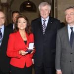 Mit dem bayerischen Ministerpräsidenten Horst Seehofer, russischem Generalkonsul Andrej Grozov und dem ukrainischen Generalkonsul Yuriy Yarmilko